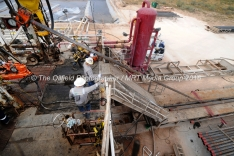 Casing is put downhole on Trinidad Rig 433 on Wednesday, Nov. 2, 2016, in Midland County. James Durbin/Reporter-Telegram